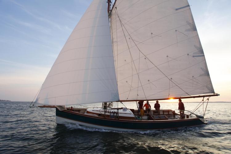 meilleures activités evjf bordeaux - balade en voilier arcachon